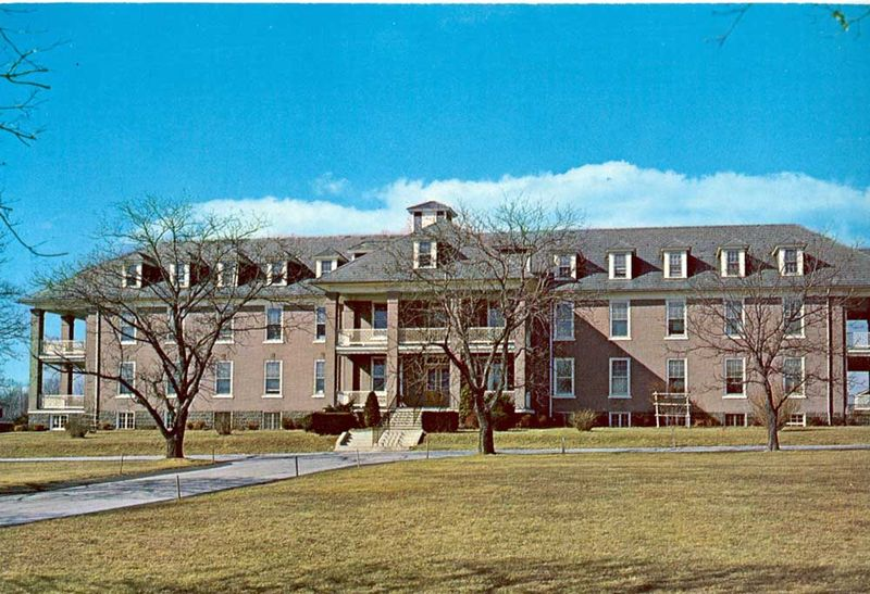 Souderton-Mennonite-RetirementHome-1960s