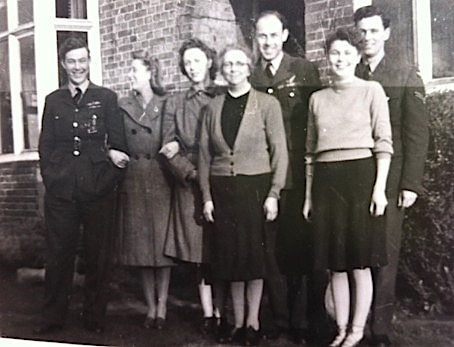 Mum&Family1940s